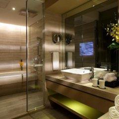 Отель InterContinental Shanghai Jing' An 5* Улучшенный номер с различными типами кроватей