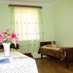 Гостевой Дом Lusya B&B сейф в номере
