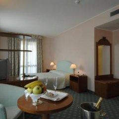 Отель Hostellerie Du Cheval Blanc 4* Стандартный номер фото 10