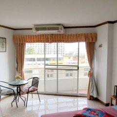 Апартаменты View Talay 1B Apartments комната для гостей
