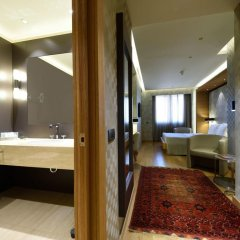 Mercure Istanbul The Plaza Bosphorus 5* Улучшенный номер с различными типами кроватей фото 4