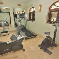 Отель Tropical Hideaway фитнесс-зал