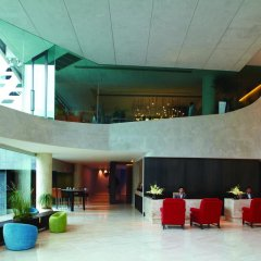 LIT Bangkok Hotel Бангкок бассейн