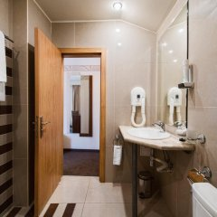 Hugo hotel 3* Номер Делюкс с различными типами кроватей фото 8