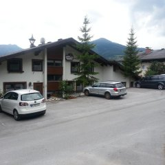 Отель Landhaus Tirol Gröbming-Mitterberg парковка