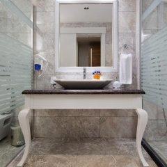 Justiniano Deluxe Resort Турция, Окурджалар - отзывы, цены и фото номеров - забронировать отель Justiniano Deluxe Resort онлайн ванная