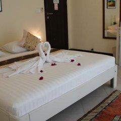 Отель Chanisara Guesthouse в номере