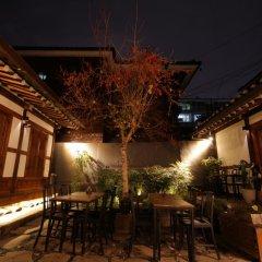 Отель The Place Seoul Hanok Guesthouse 2* Стандартный номер с различными типами кроватей фото 2