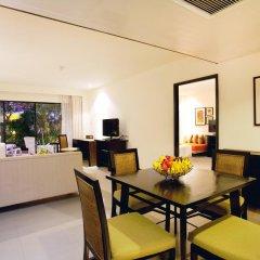 Отель Woraburi Phuket Resort & Spa 4* Улучшенный номер двуспальная кровать фото 4