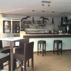 Отель Apartamentos Neptuno гостиничный бар