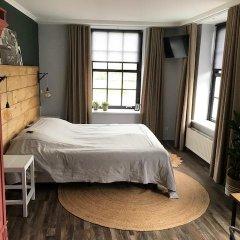 Отель De Prins комната для гостей