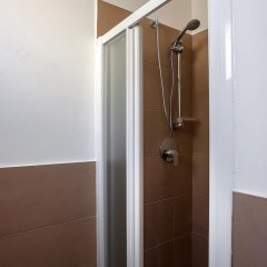 Hotel Spring Римини ванная