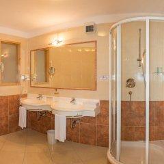 Отель Landsitz Stroblhof Тироло ванная