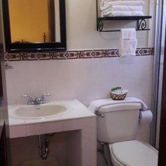 Hotel Acropolis Maya Копан-Руинас ванная