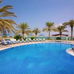 Отель Hilton Al Hamra Beach & Golf Resort бассейн фото 2
