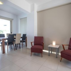 Отель Palm Village Villas Кипр, Протарас - отзывы, цены и фото номеров - забронировать отель Palm Village Villas онлайн интерьер отеля