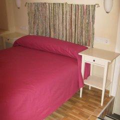 Отель Pensión Azahar 2* Стандартный номер с различными типами кроватей фото 11