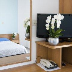 Отель Emilia Италия, Римини - отзывы, цены и фото номеров - забронировать отель Emilia онлайн удобства в номере фото 2