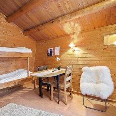 Отель Tromsø Camping Коттедж Эконом с различными типами кроватей
