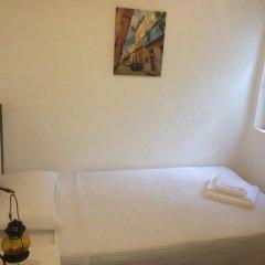 Отель Butterfly Guest House Номер с общей ванной комнатой