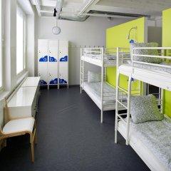 Отель CheapSleep Helsinki Кровать в общем номере с двухъярусной кроватью