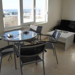 Апартаменты Sea View Studio in Orion Garden комната для гостей фото 4