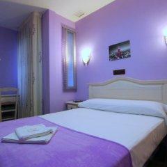Отель Hostal Regio Стандартный номер с различными типами кроватей фото 4