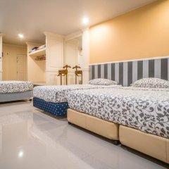 Отель Phuket Airport Suites & Lounge Bar - Club 96 Семейный люкс с двуспальной кроватью фото 8