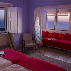 Отель Chill in Ericeira Surf House Улучшенный номер с различными типами кроватей фото 5