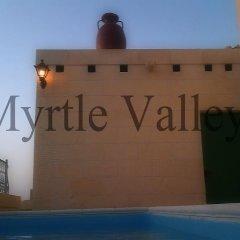 Отель Gozo B&B бассейн