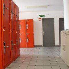 Geneva Hostel Кровать в мужском общем номере с двухъярусной кроватью фото 2