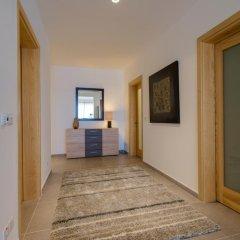 Отель Seafront Apartment Sliema Мальта, Слима - отзывы, цены и фото номеров - забронировать отель Seafront Apartment Sliema онлайн интерьер отеля фото 2