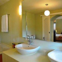 Отель Quinta da Palmeira - Country House Retreat & Spa 4* Улучшенный номер двуспальная кровать фото 3