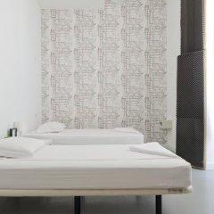 Lisbon Destination Hostel Стандартный номер с 2 отдельными кроватями (общая ванная комната) фото 6