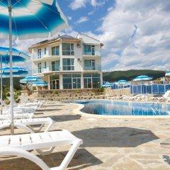Nushev Hotel бассейн фото 2
