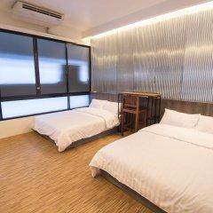 Отель Glur Bangkok Стандартный номер разные типы кроватей фото 21