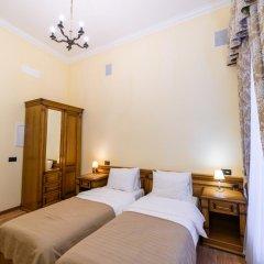 Мини-отель Дом Чайковского Улучшенный номер с 2 отдельными кроватями