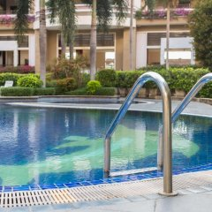 Отель Eastern Grand Palace бассейн фото 2