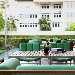 Отель Courtyard By Marriott Бангкок бассейн