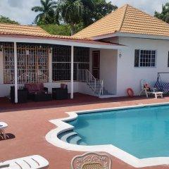 Отель The Retreat @ A Piece Of Paradise Ямайка, Монтего-Бей - отзывы, цены и фото номеров - забронировать отель The Retreat @ A Piece Of Paradise онлайн бассейн фото 3