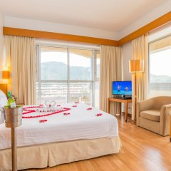 Отель The Royal Paradise Hotel & Spa Таиланд, Пхукет - 4 отзыва об отеле, цены и фото номеров - забронировать отель The Royal Paradise Hotel & Spa онлайн комната для гостей фото 7