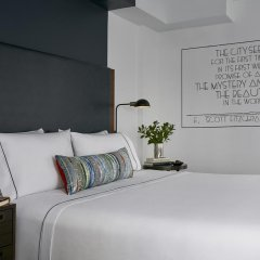 The Renwick Hotel New York City, Curio Collection by Hilton 4* Улучшенный люкс с различными типами кроватей фото 3