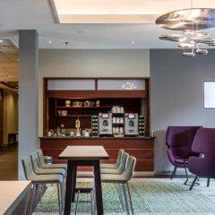 Отель Courtyard by Marriott Amsterdam Airport Нидерланды, Хофддорп - отзывы, цены и фото номеров - забронировать отель Courtyard by Marriott Amsterdam Airport онлайн гостиничный бар