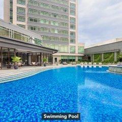 Отель Ascott Makati Филиппины, Макати - отзывы, цены и фото номеров - забронировать отель Ascott Makati онлайн бассейн