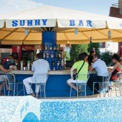 Отель Sunny Болгария, Созополь - отзывы, цены и фото номеров - забронировать отель Sunny онлайн бассейн фото 3
