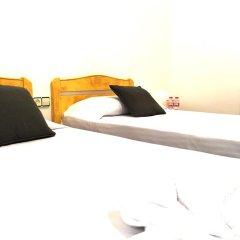 Отель La Palmera Hostal Барселона комната для гостей