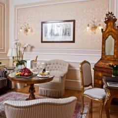 Grand Hotel Majestic già Baglioni 5* Представительский люкс с различными типами кроватей фото 3