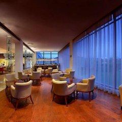 Отель Four Points by Sheraton New Delhi, Airport Highway гостиничный бар