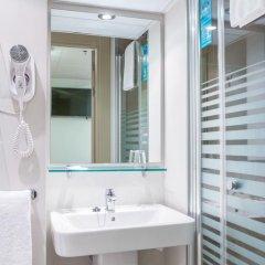Отель Vertice Roomspace Madrid 3* Стандартный номер с двуспальной кроватью фото 9