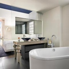 Andaz Amsterdam Prinsengracht - A Hyatt Hotel 5* Стандартный номер с различными типами кроватей фото 3